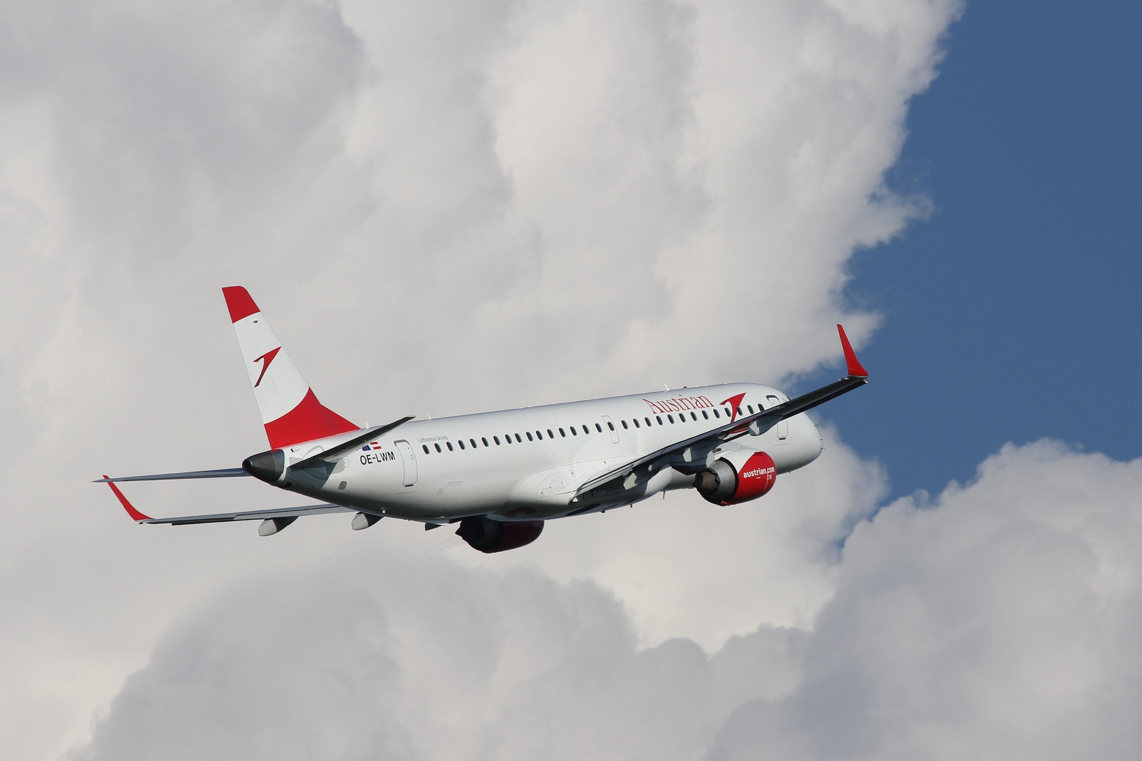 Austrian Airlines Embraer ERJ-195LR ; reg. OE-LWM; cn 19000542